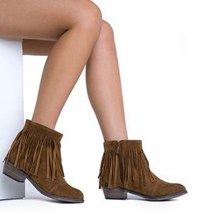 Breckelle's Fringe Suede Booties | Size 7 1/2
